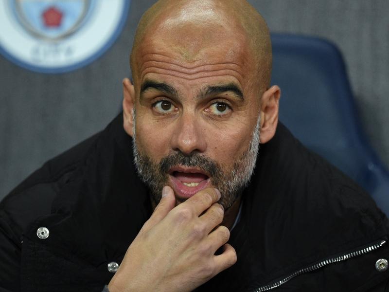 Manchester City - Guardiola veut un défenseur supplémentaire lors du mercato d'hiver