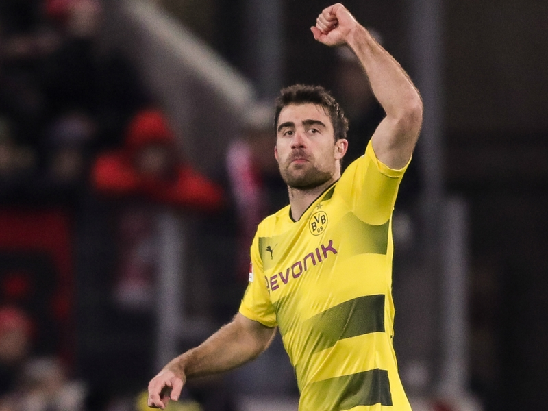Mainz 0 Borussia Dortmund 2: Stoger's tenure begins with much-needed victory