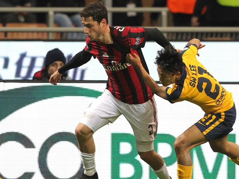 Calciomercato Milan, ufficiale il rinnovo di Calabria fino al 2022