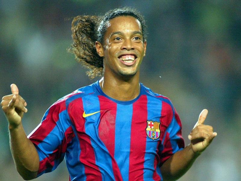مكتشف ميسي: نصحت برشلونة بالتعاقد مع رونالدينيو قبل انضمامه لباريس سان جيرمان
