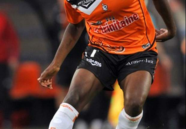 Lorient midfielder Arnold Mvuemba keen on move to West Ham United
