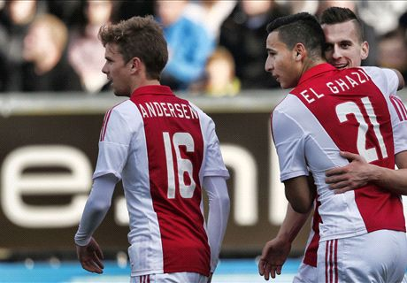 Stroperig Ajax laat langs tien Friezen