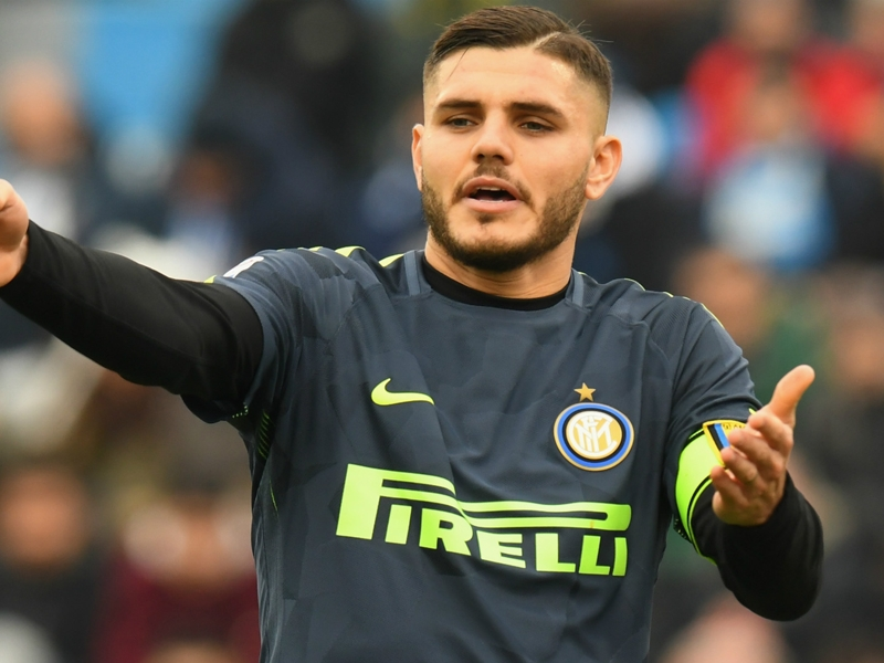 Icardi's head turned by Real Madrid interest, says Argentina boss