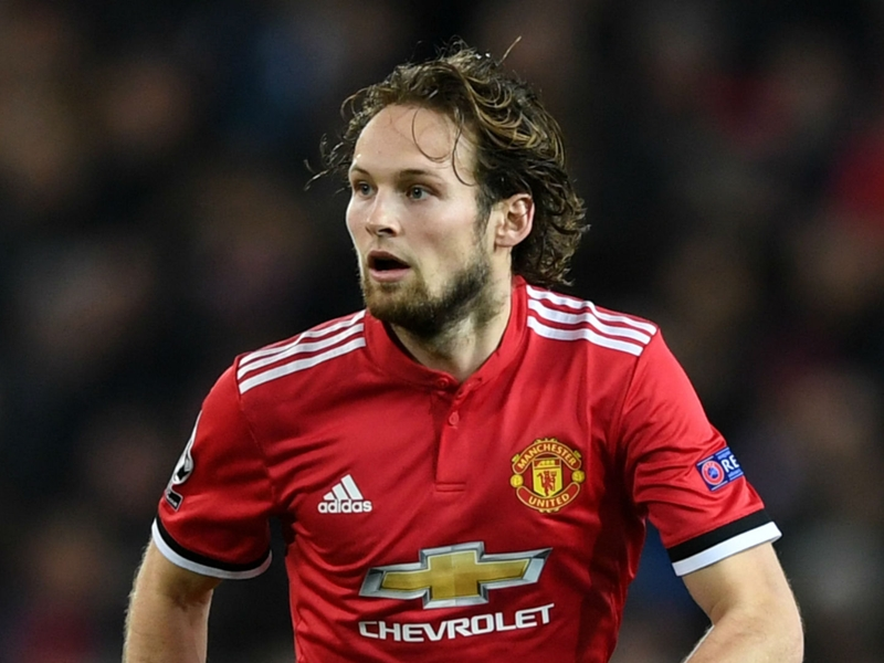 Manchester United don't want to sell Blind to Roma