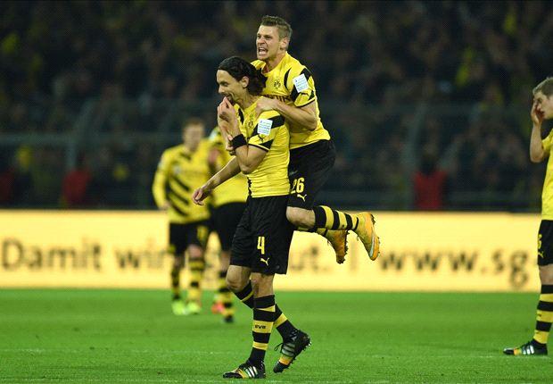 Die Dortmunder feiern die Führung