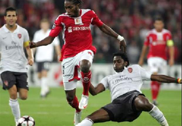 Monaco ready to exchange Dieumerci Mbokani for Everton's Louis Saha – report
