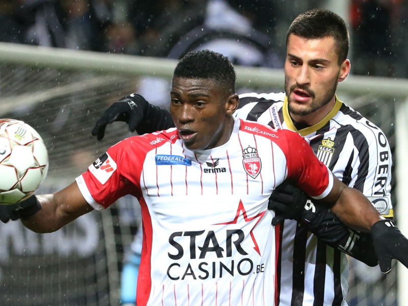 Taiwo Awoniyi returns to Royal Excel Mouscron on loan