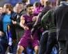 Sergio Agüero, Wigan taraftarıyla yumruklaştı