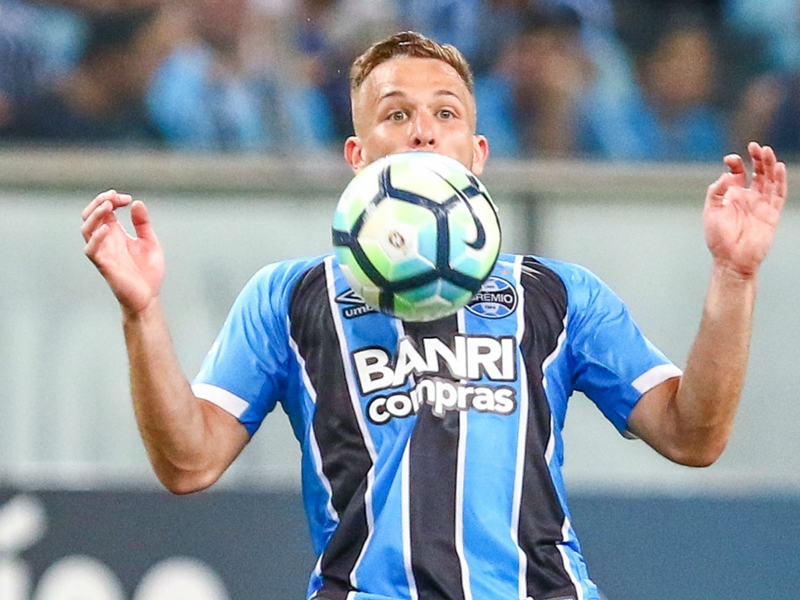 Gremio refute claims of €40m Arthur agreement with Barcelona