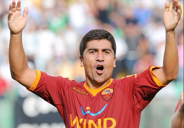 Roma Midfielder David Pizarro Declares Himself Available For AC Milan Clash