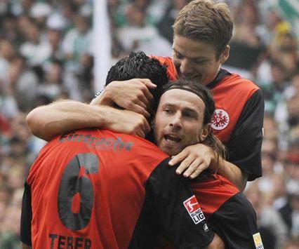 Eintracht Frankfurt Pirmin Schwegler, Ioannis Amanatidis, Selim Teber celebrating (Getty)