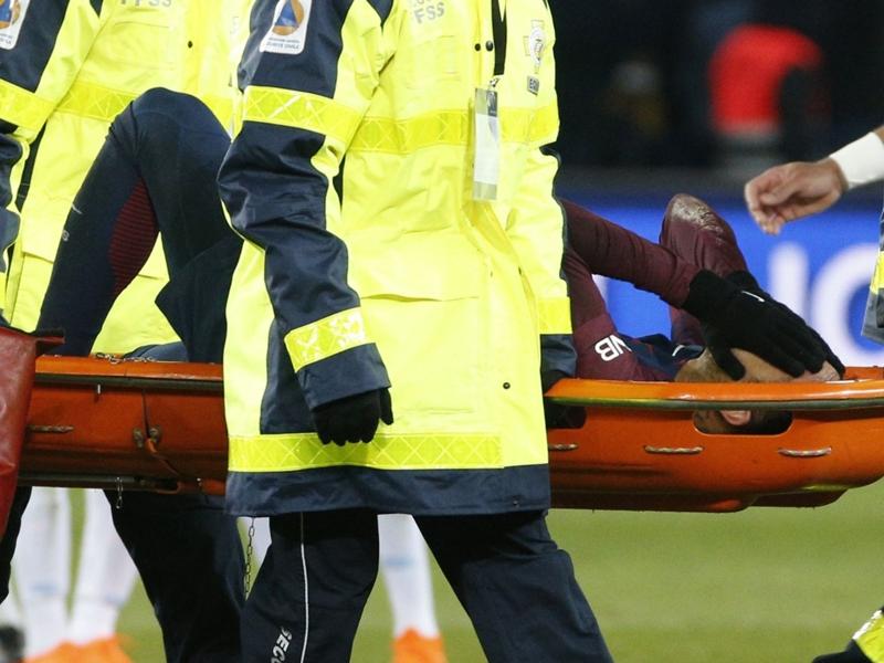 """Blessure de Neymar : après les examens, """"pas de fracture, pas d'entorse grave"""""""