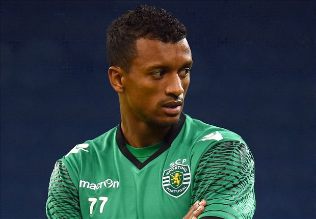 Nani: Manchester United want me to stay