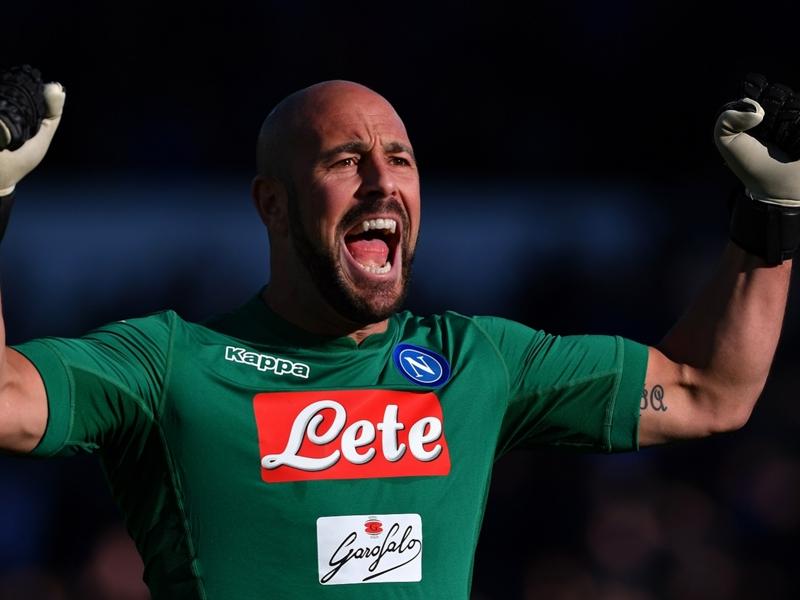 Calciomercato Milan, Reina obiettivo primario: Napoli informato