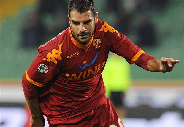 Roma's Simone Perrotta hopes for derby role against Lazio