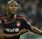 Abidal zet punt achter voetballoopbaan