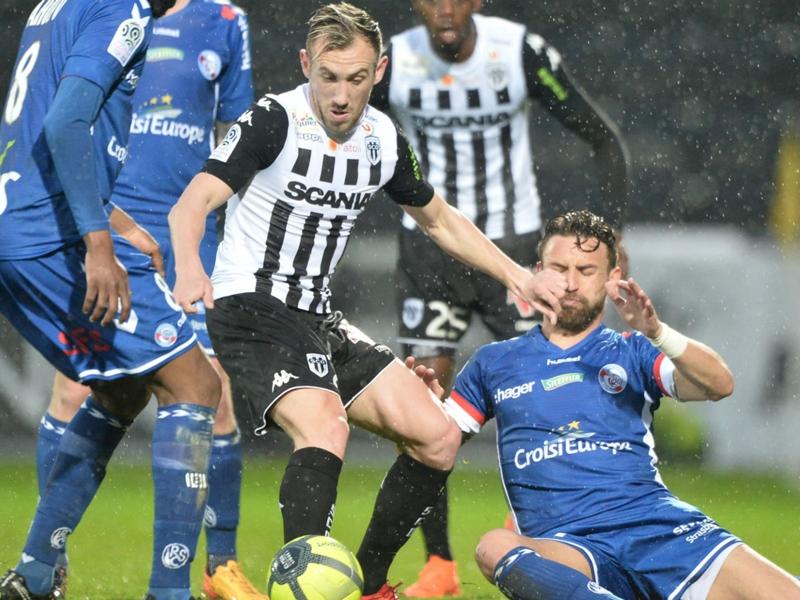 Angers-Strasbourg 1-1, le Racing évite la défaite à Angers
