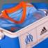 La nueva camiseta de Olympique de Marsella viene con una réplica de la heladera de Bielsa.