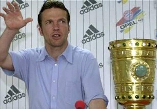 Coca-Cola Memorable Celebrations 46: Matthaus Take A Tumble