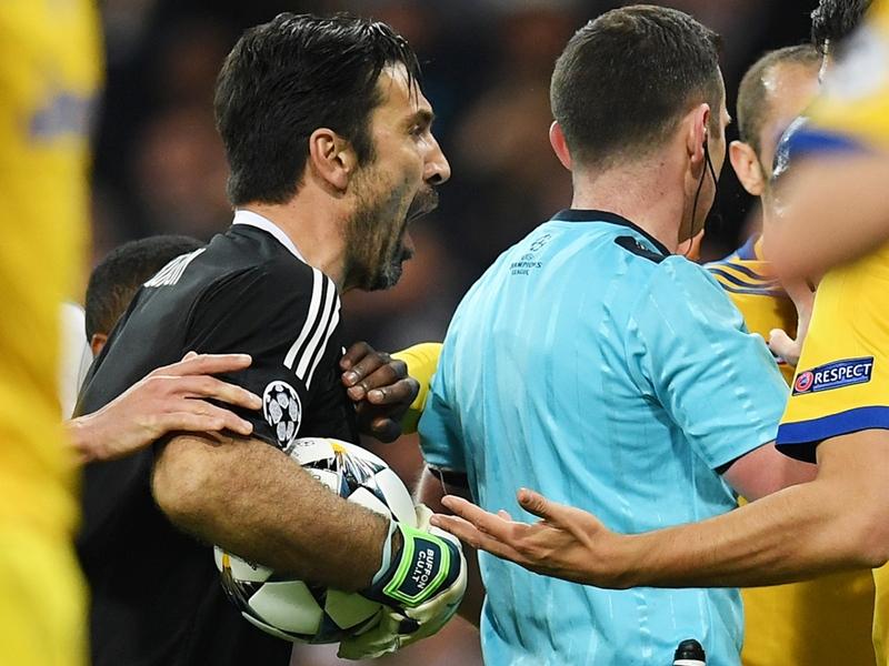 "Pour Gianluigi Buffon, ""l'arbitre a été un animal"" lors de Real Madrid-Juventus Turin"