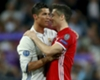 Cristiano Ronaldo and Robert Lewandowski at the end of the Champions League quarter-final of 2016-17