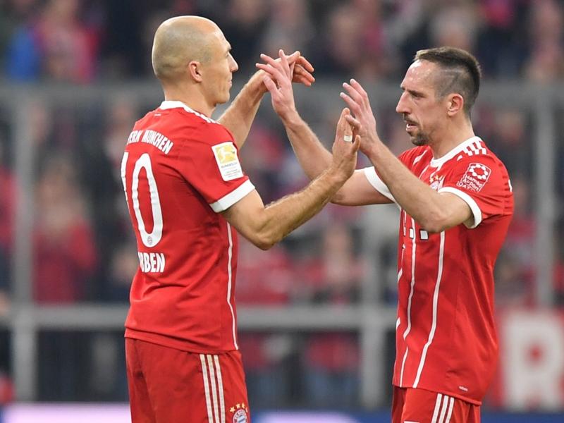 Bayern Munich - Arjen Robben rend hommage à Franck Ribéry