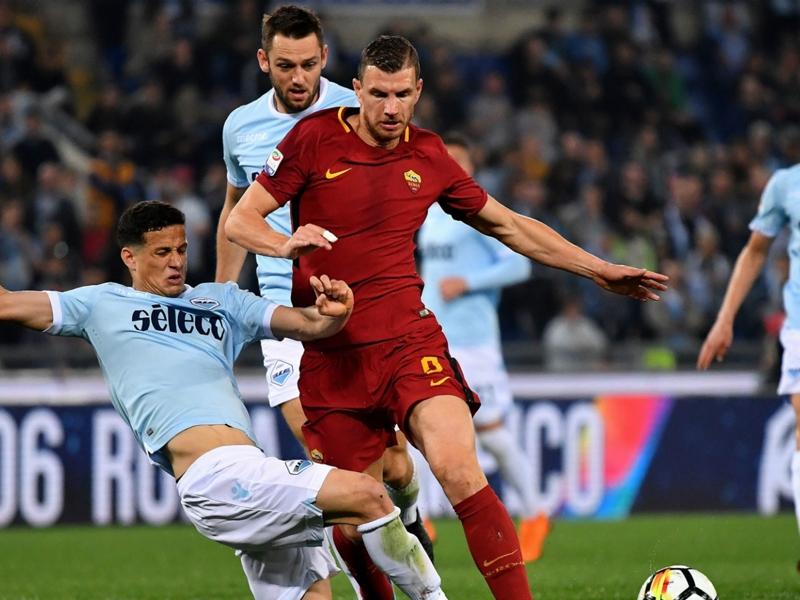 Lazio-Roma 0-0: Tanti falli e zero goal, rimpianti Champions