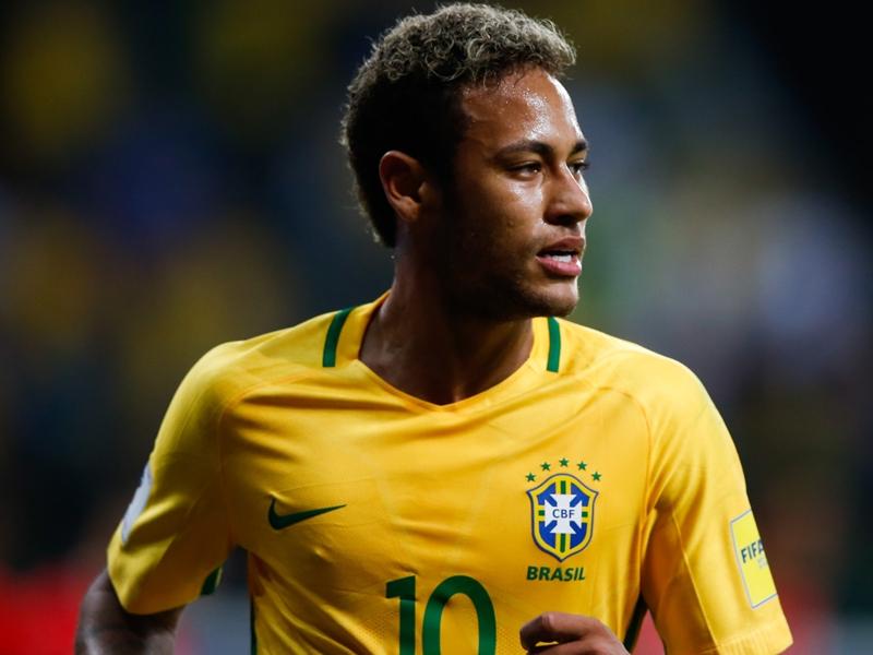 """Pelé en est certain, Neymar sera en """"grande forme"""" pour la Coupe du Monde en Russie"""