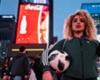 Times Meydanı'nda freestyle ateşi - Coca-Cola sponsorluğundaki FIFA Dünya Kupası Turu'nda yeni durak New York
