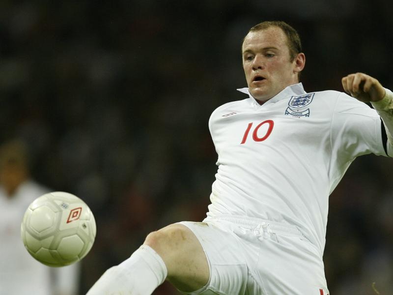 Wayne Rooney Dibujuk Istri Untuk Tidak Pensiun
