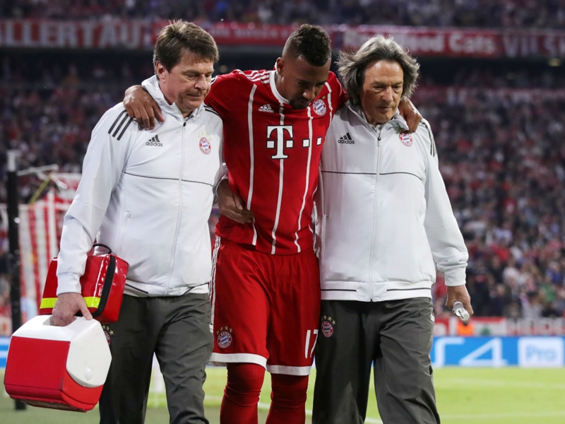 """Blessé avec le Bayern Munich contre le Real Madrid, Jérome Boateng pourrait être absent """"entre 4 et 6 semaines"""""""