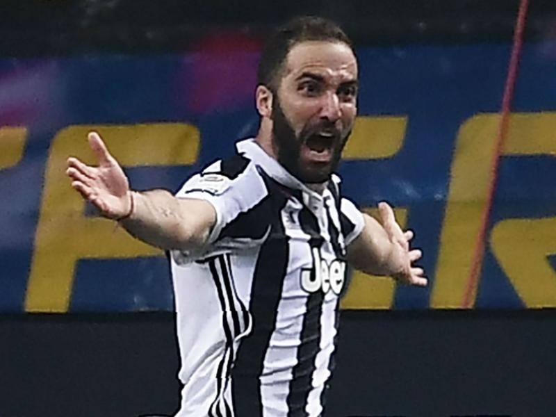 Calciomercato Milan, Leonardo scalda la pista Higuain: lo voleva al PSG