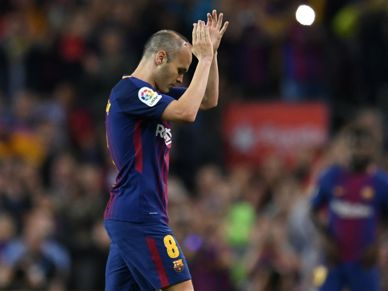 Iniesta expects to decide future in week to 10 days