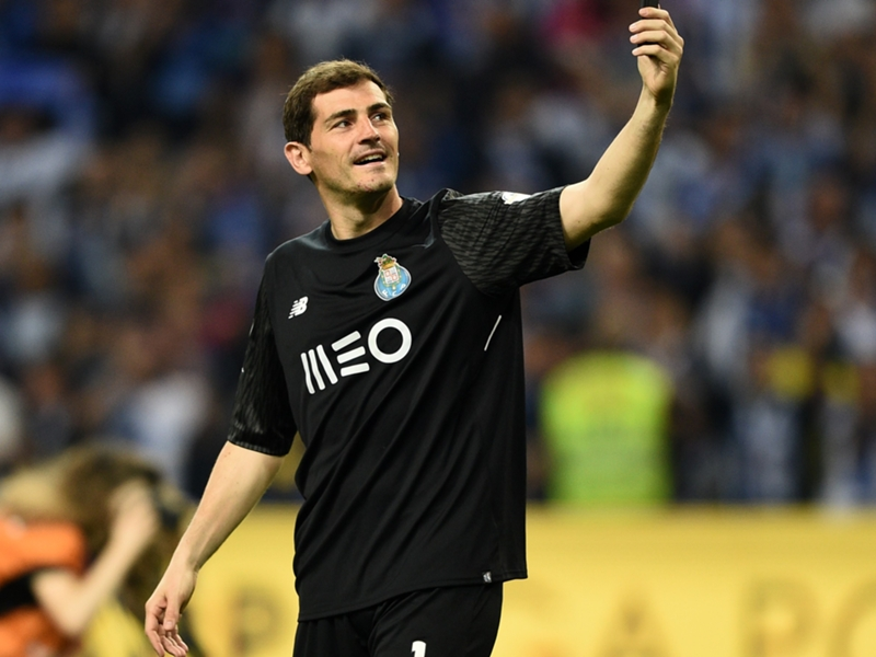 Iker Casillas prolonge d'un an au FC Porto
