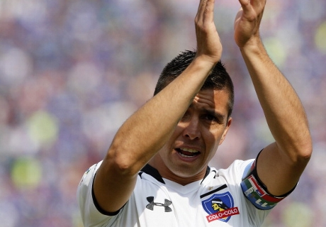 VIDEO: Fierro scores impossible goal