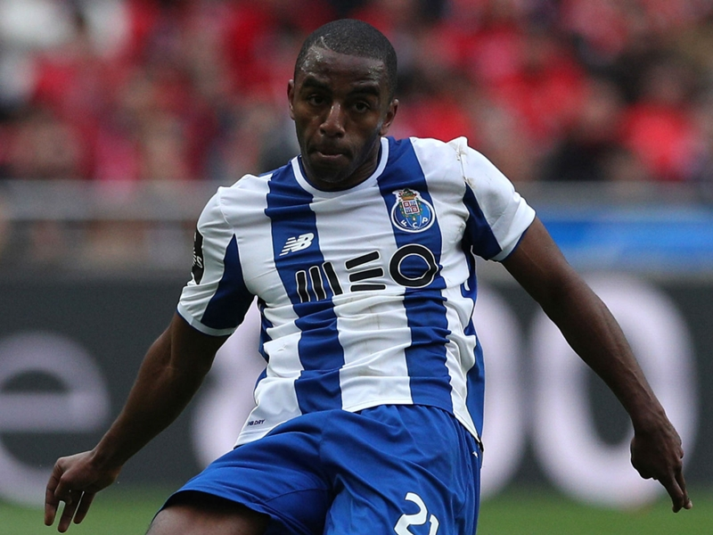 Leicester agree deal for Porto full-back Pereira