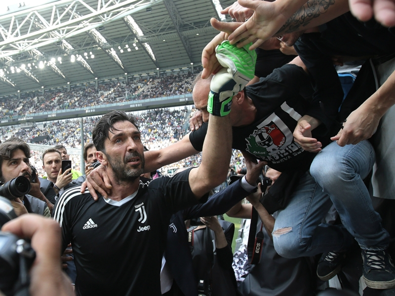 Buffon to decide future in a week amid PSG speculation