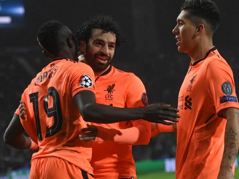 أسطورة ليفربول يطالب لاعبي الوسط بتقليد صلاح وماني وفيرمينو