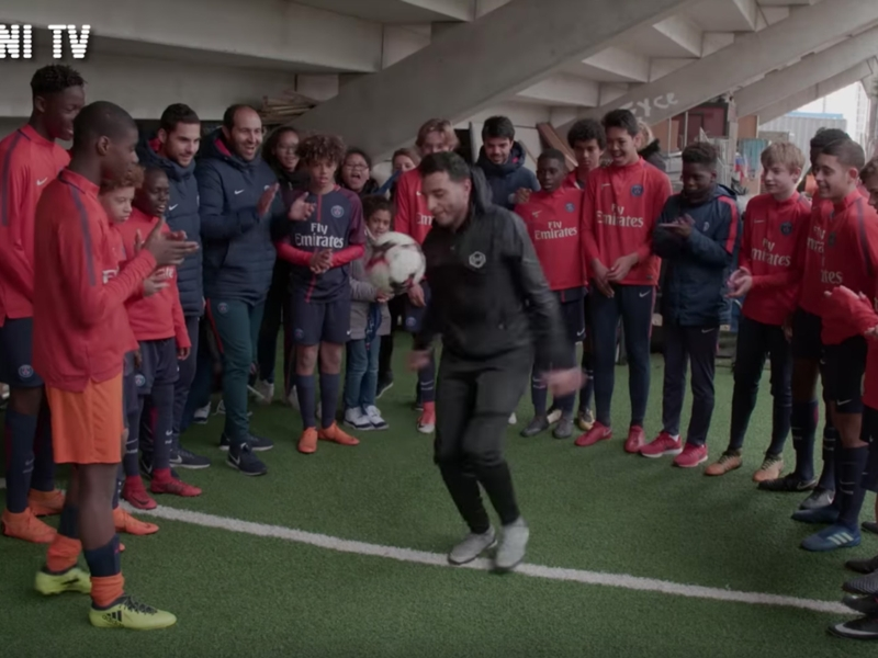 VIDEO: Freestyler Touzani embarrasses PSG wonderkids