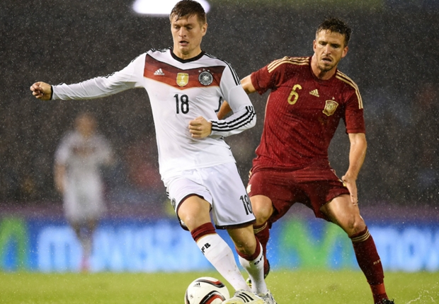 Spain 0-1 Germany: Kroos fires world champions to victory