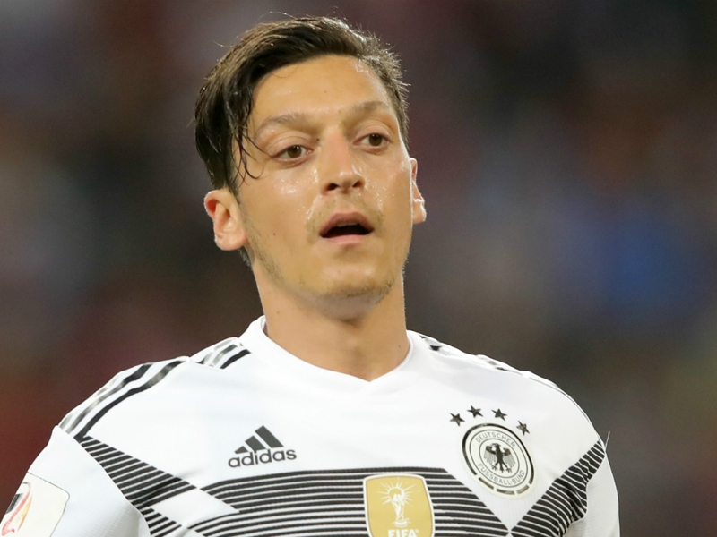 Bierhoff & Grindel urged to quit Germany over Ozil comments