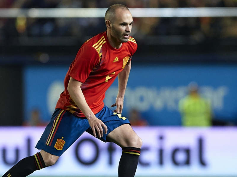 'Iniesta is an idol, he can do whatever he wants' - Alonso backs star's Japan move