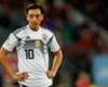 Dietmar Hamann: Mesut Özil'den elinizi çekin!