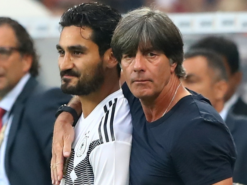Allemagne, Low encourage le duo Ozil-Gundogan