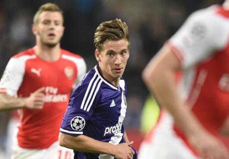Transferts, Praet suivi par Arsenal