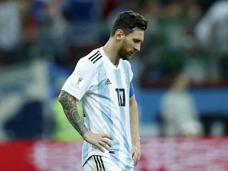أسطورة الأرجنتين هذا هو أسوأ فريق في تاريخنا