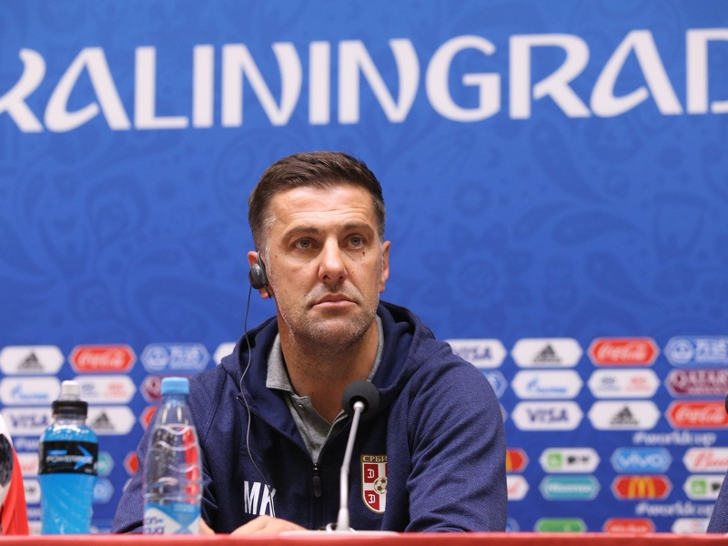 Le sélectionneur de la Serbie admoneste l'arbitre du match contre la Suisse