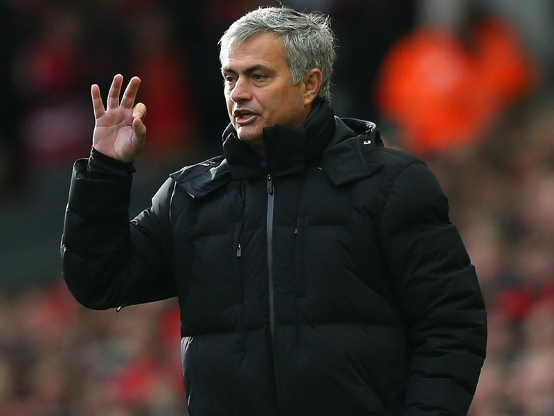 Ultime Notizie: Mourinho chiude le voci di calciomercato al Chelsea: ?Cech non ha chiesto di andare via?