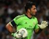Adán defiende a Casillas