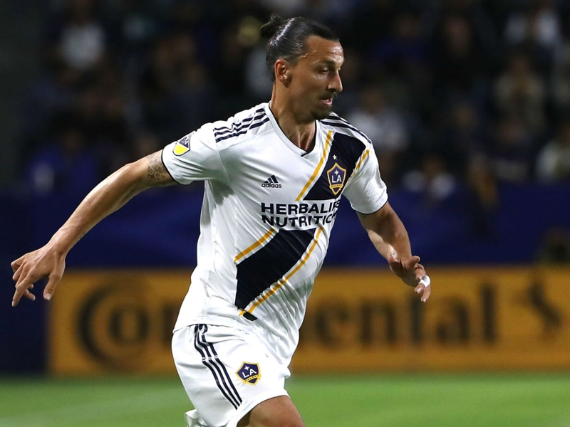 MLS Review: Zlatan hits 500 in loss, Houston dominates Portland